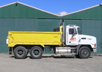 10M TIPPERS WITH SUPER DOGS